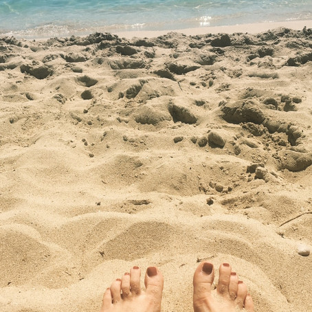 Barefoot in the Summer and why it's so good!..