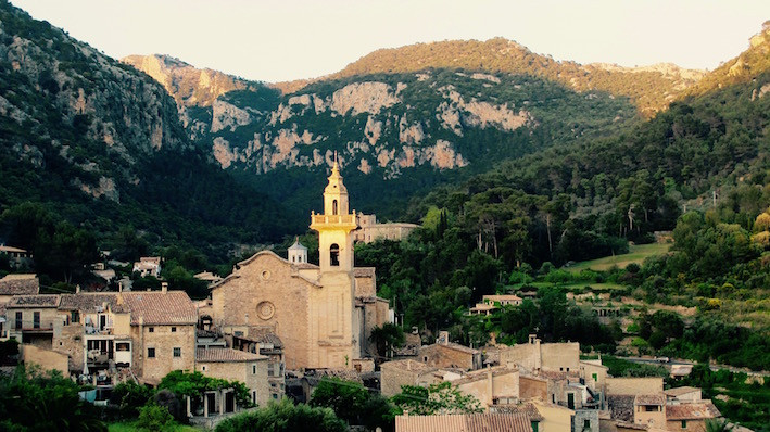 Panoramic view of the village of Valldemossa in Majorca by Sarah Santa Cruz
