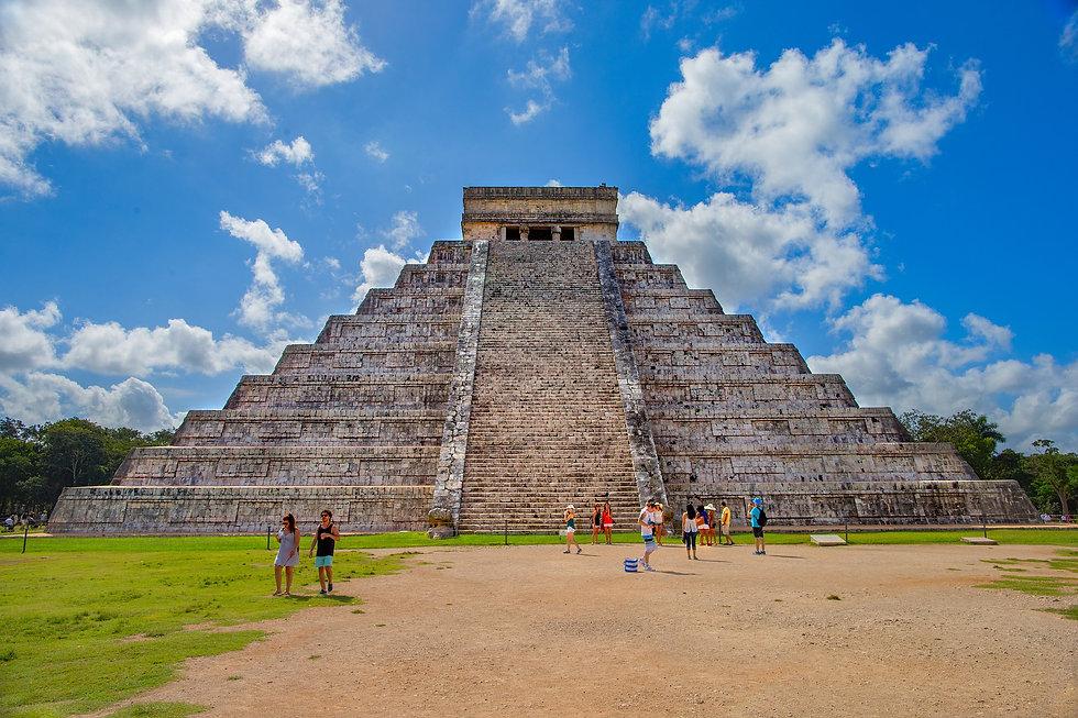 pyramid-2826192_1920.jpg