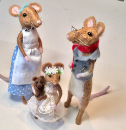 Mouse House Family