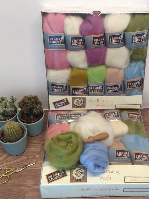 Pastel Shades Felting wools selection pack 200g approx.