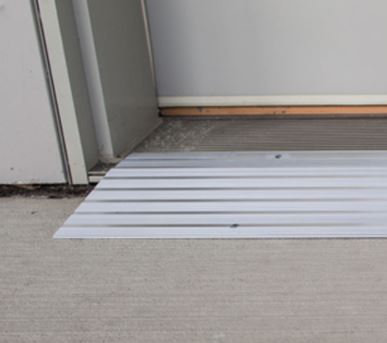 EZ-ACCESS TRANSITIONS MODULAR ENTRY RAMP 3-IN