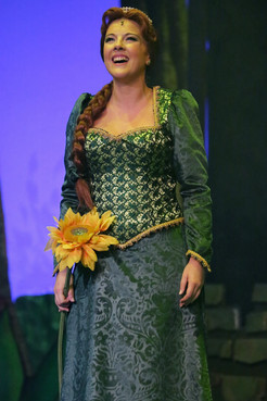 Silvia Villaú (Fiona)