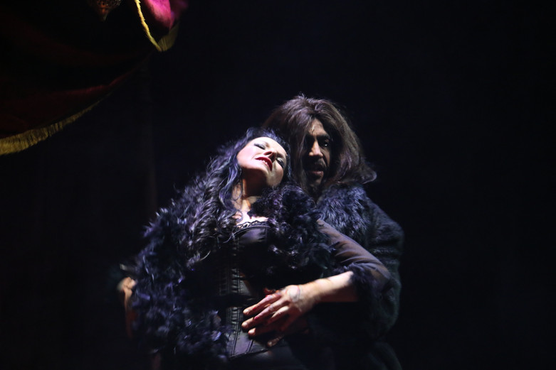Silvia Villaú (Lucy)