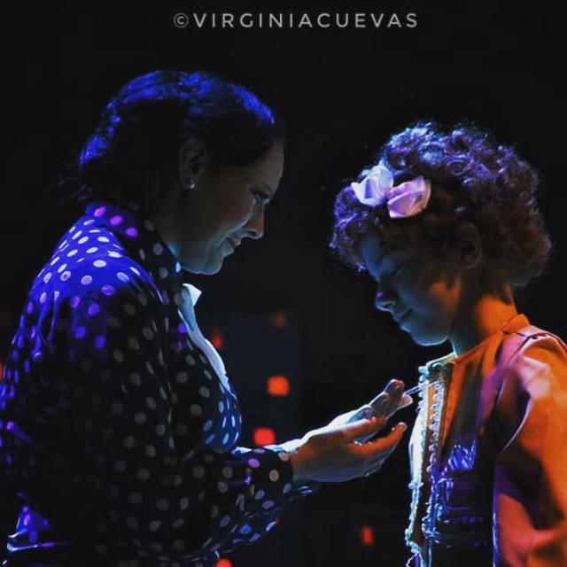 Silvia Villaú (Grace Farrel)