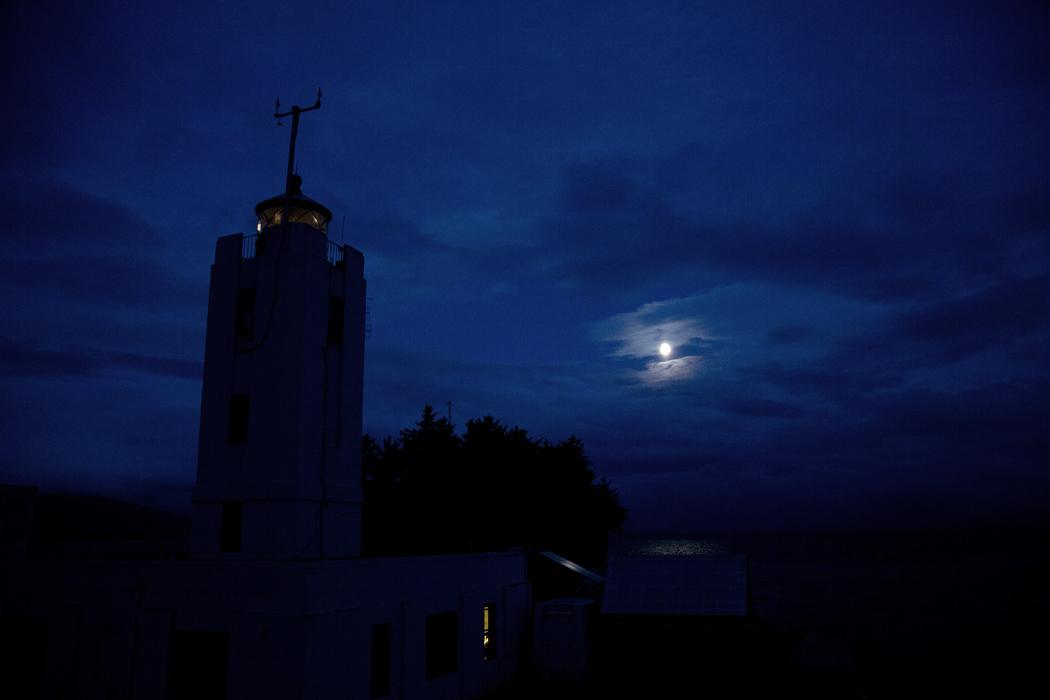Finger_Lighthouse_moon_7-28-15