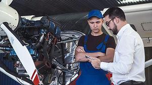 Mechanic and flight engineer having a di
