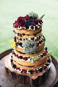 styled weding cake wedding floals