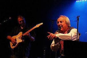 Tom Goldschmidt, chanteur, avec le guitariste Marty Townsend (USA).