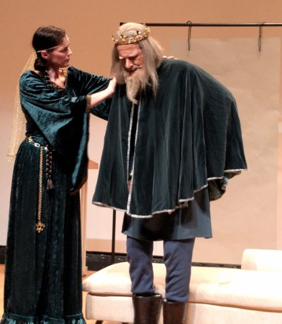 Costumes for Cordelia and King Lear, The Dresser