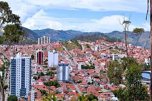 Vista_panoramica_de_la_ciudad_de_Sucre.p