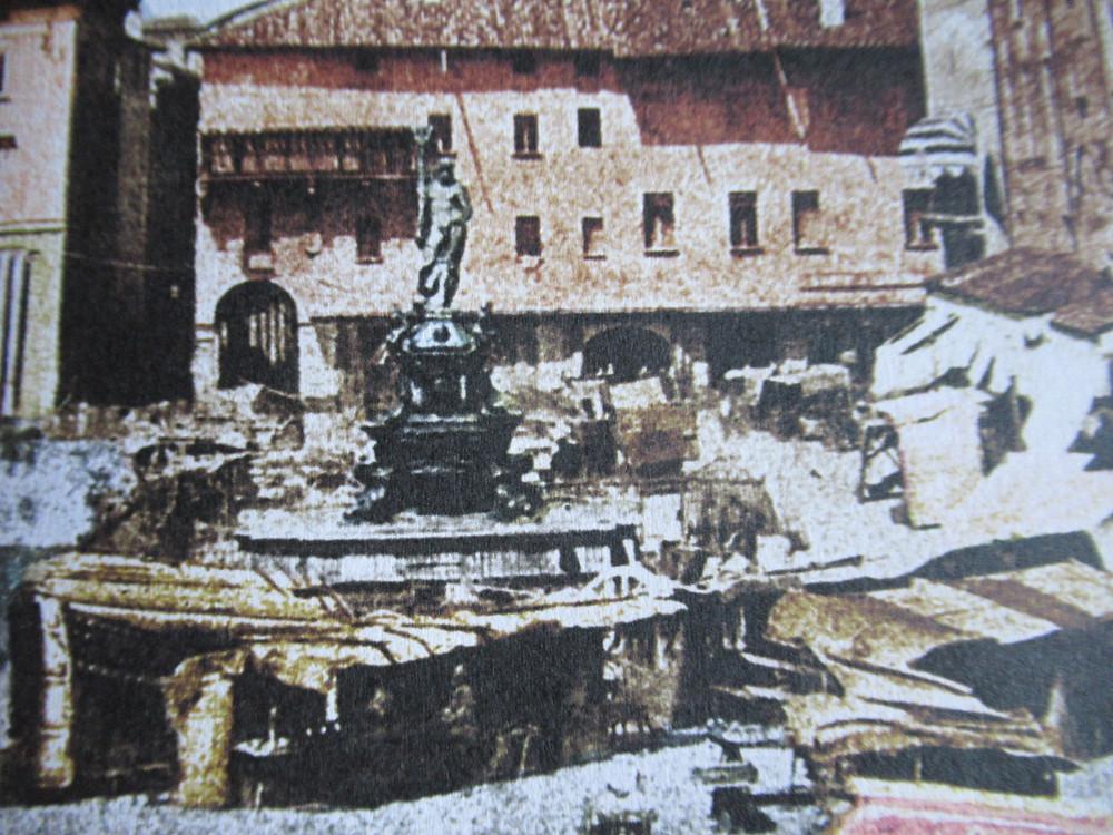 market in Piazza Maggiore