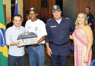 Valparaíso: Prefeitura entrega uniformes da Guarda Municipal
