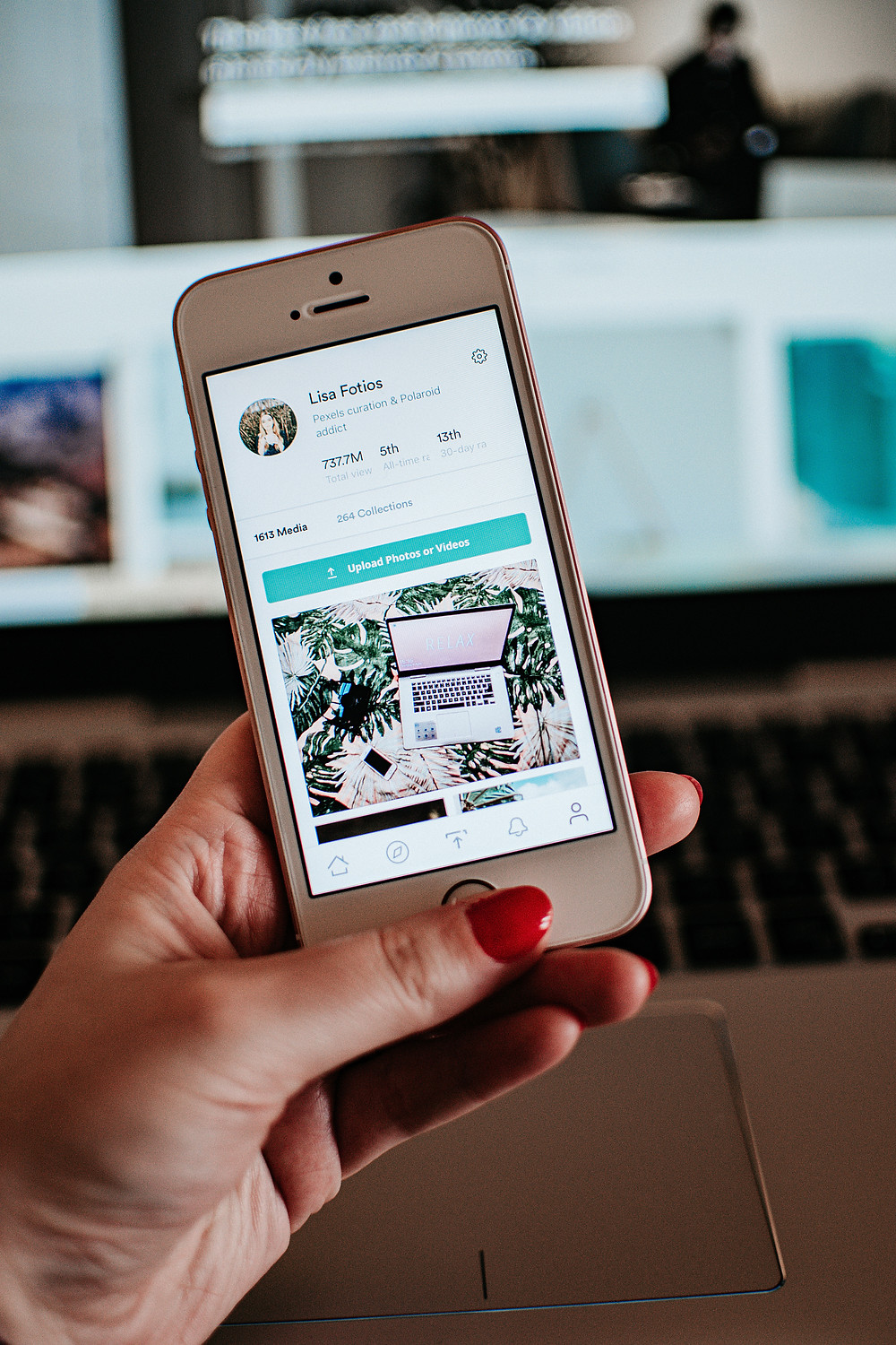 A marketer looks at an image on Pexels, as part of a multi-channel approach.