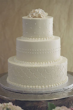 fondant-white-wedding-cake-with-dots-and