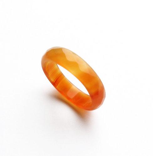 Кольцо из сердолика граненый