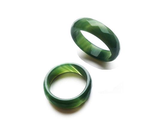 Кольцо из зеленого агата (граненый)