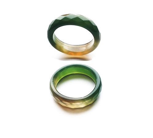 Кольцо из зеленого агата граненый