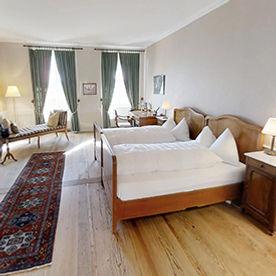 Historischs Zimmer im Klosterhotel St.Petersinsel