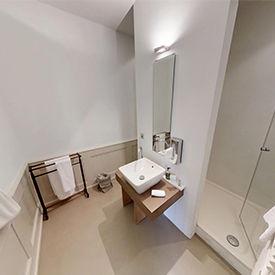 Badezimmer im Klosthotel St.Petersinsel