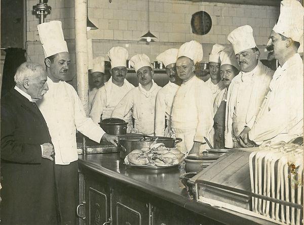 """Auguste Escoffier et son personnel au """"Carlton"""" de Londres"""
