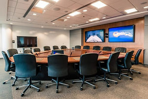 boardroom-with-dual-screen-videoconferen