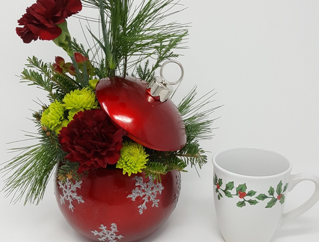 Holiday Floral Arrangement - 12/14/18