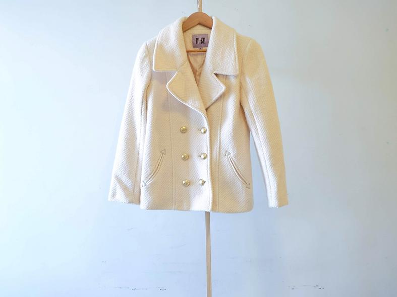 白色羊毛混紡外套