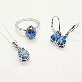 matching jewellery set with ashes
