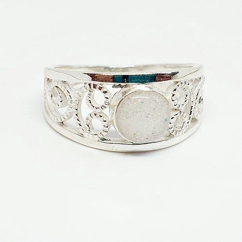 The Lyra Inclusion Ring