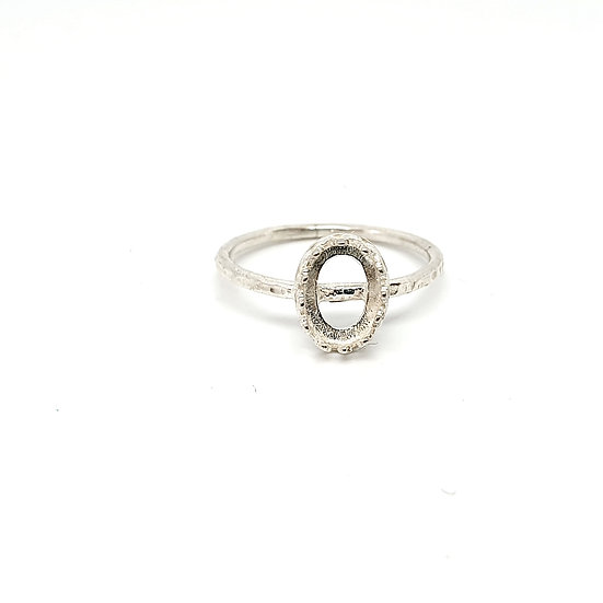 7x5 oval crown Inclusion Ring (Sizes O)