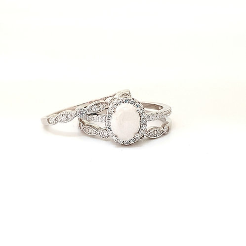 The Olympia Oval Sparkle Inclusion Ring