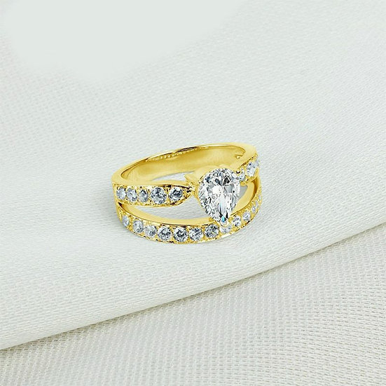 The Golden Elizabeth Inclusion Ring