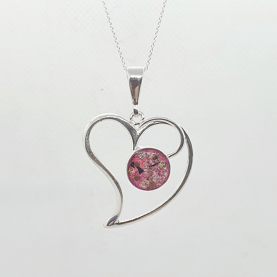 The Swooping Heart Inclusion Pendant