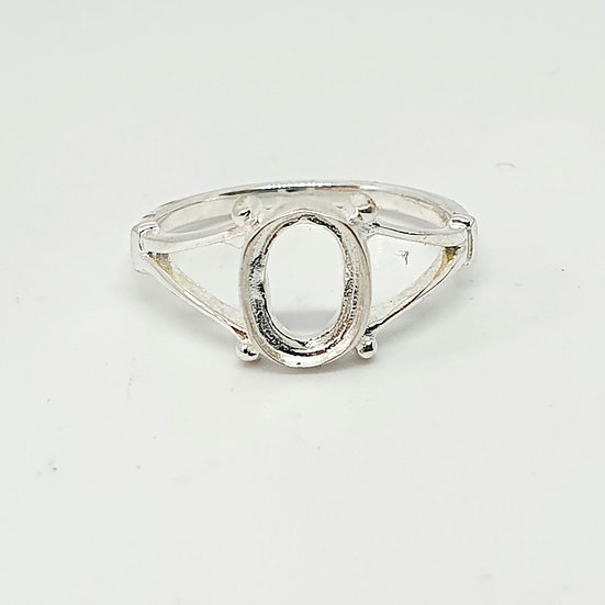 8x6mm Oval Inclusion Ring (Sizes M)