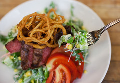 menu-lunch-steaksalad.jpg