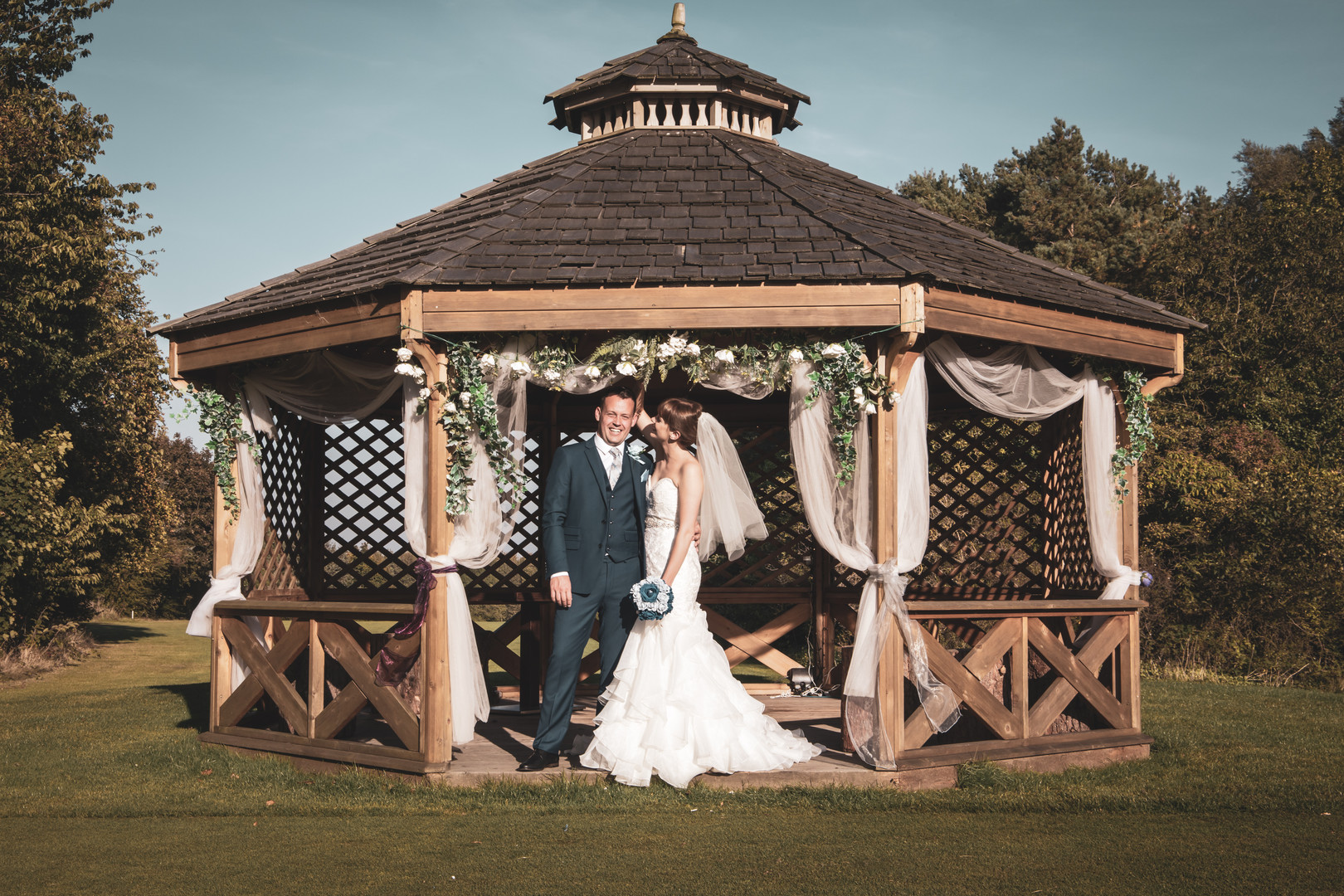 Jessica And Chris - Under The Pavillion