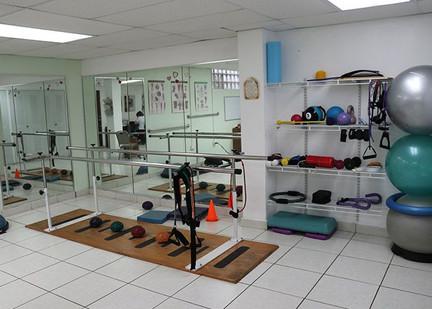 Centro_de_Rehabilitación_Fisica_Quality_Physiotherapy_Service.jpeg