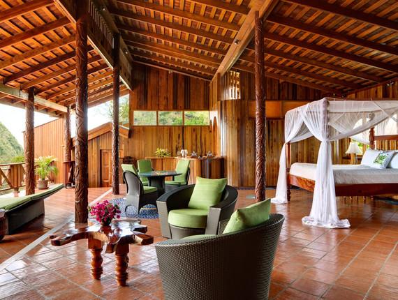 villa-at-paradise-ridge-room_orig.jpg