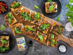 CREAMY MUSHROOM SHEETPAN PIZZA
