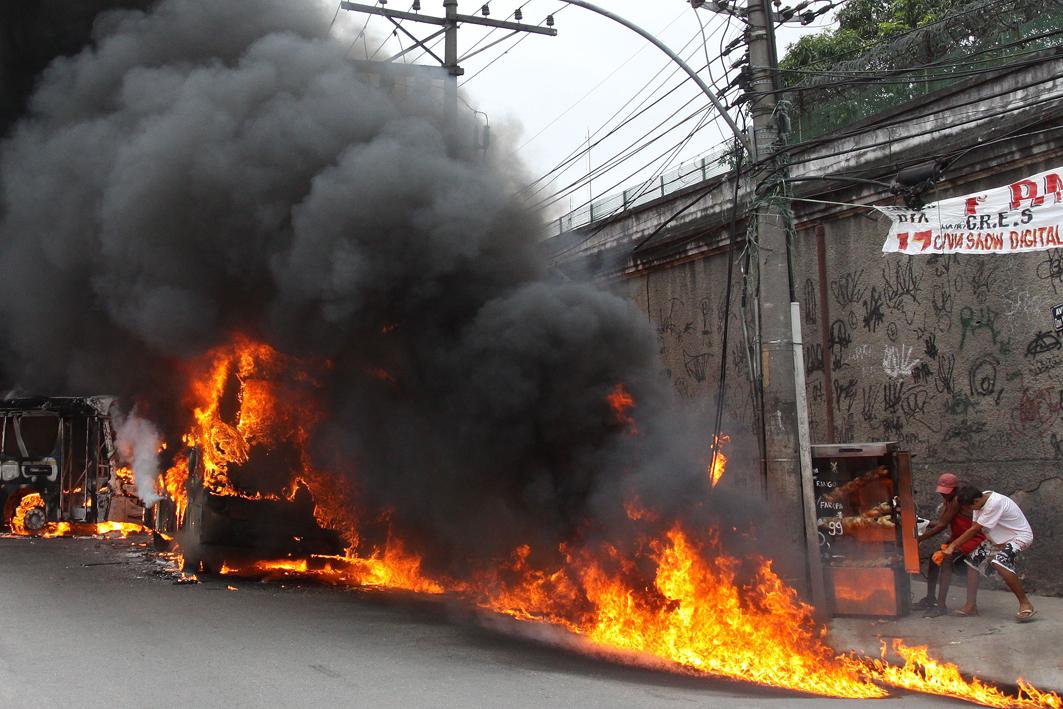 Onibus fogo