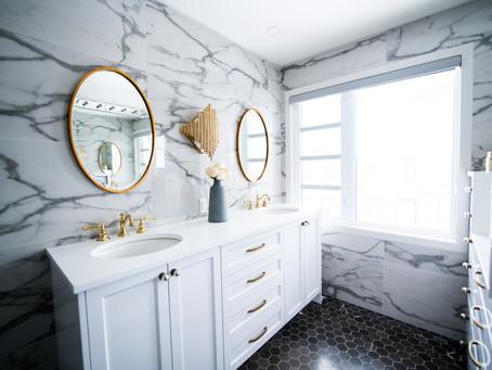 Inspirasi Penggunaan Marmer Putih untuk Kamar Mandi