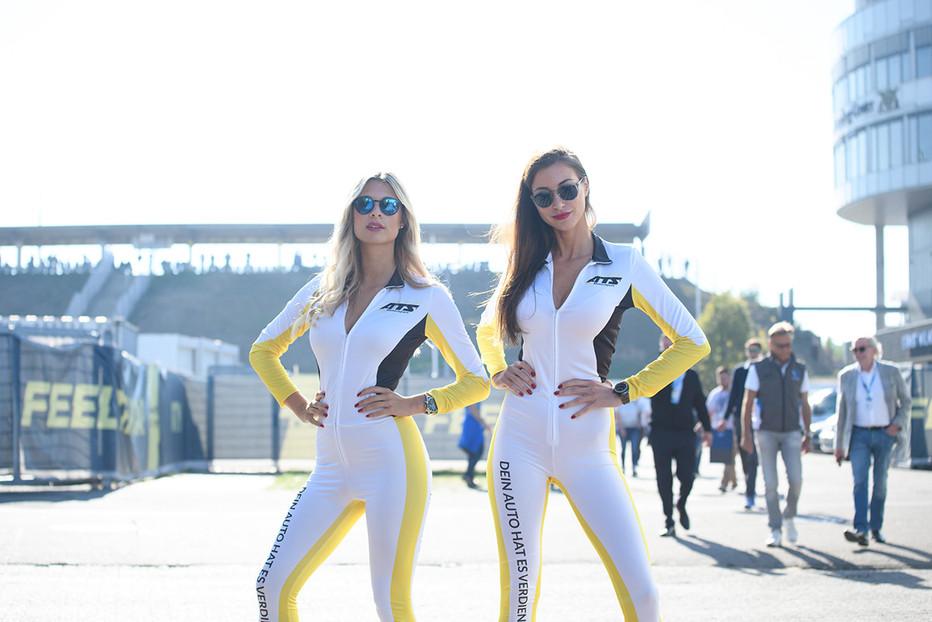 Vanessa und Claudia für ATS