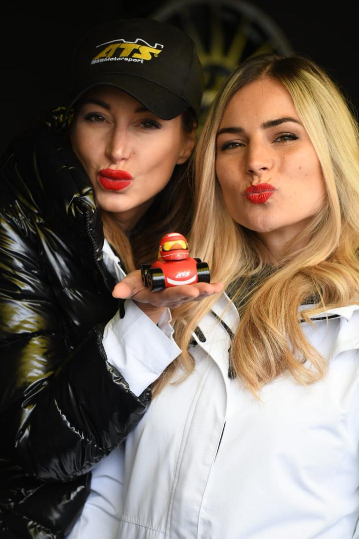 Claudia und Viktoria für ATS