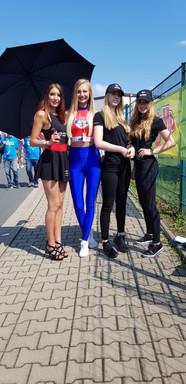Michelle, Moni und Chantal für MotoGP Cashback, Marie für Prüstel GP
