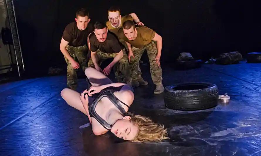 5-soldiers-the-body-is-th-009.jpg.webp