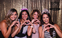 #mirrormagicphotobooth #sanantoniowedding #photobooth #memories #sanantonio #props #wedding #bride #