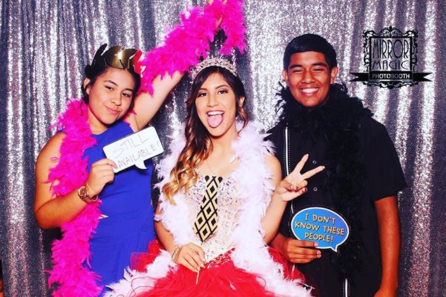 Quinceanera Photobooth fun! #mirrormagicphotobooth #quince #quinceaneraexpo