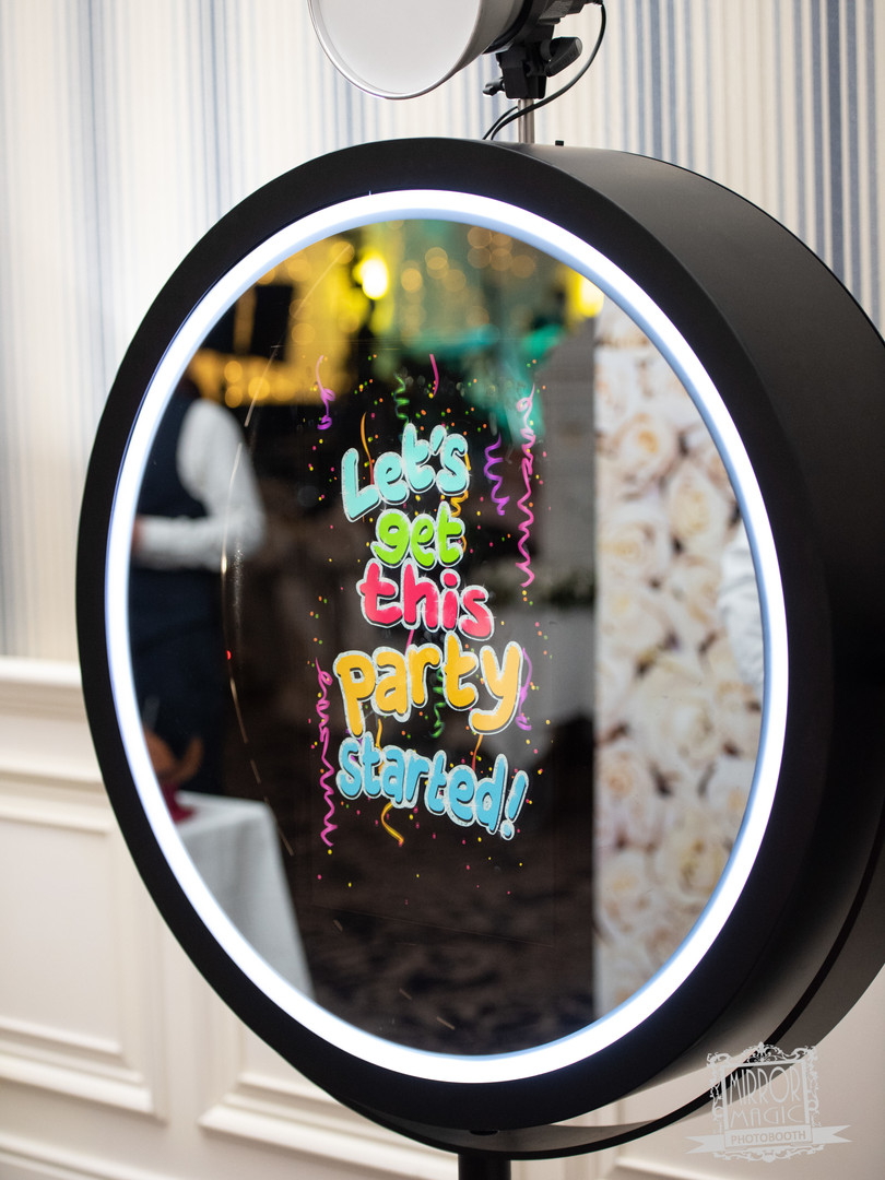 mirrorboothclub06.jpg