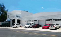 fachada hotel-min
